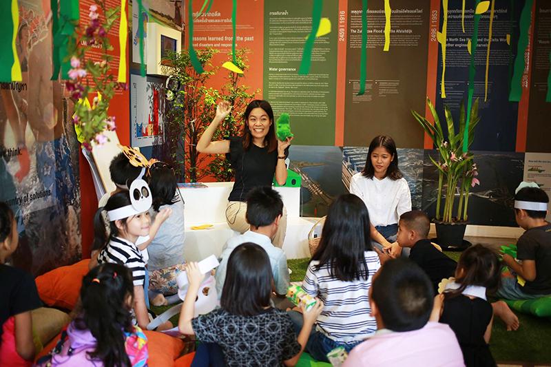 Children storytelling at Baan Hollanda